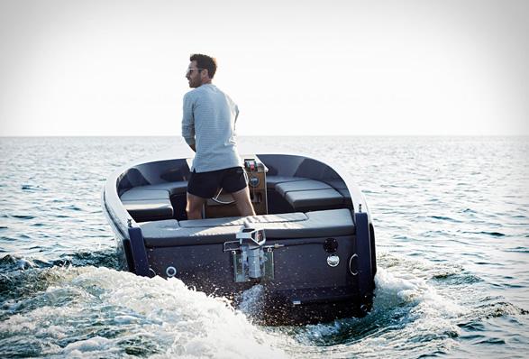 rand-picnic-boat-13.jpg