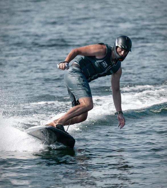 ravik-electric-surfboard-4.jpg | Image