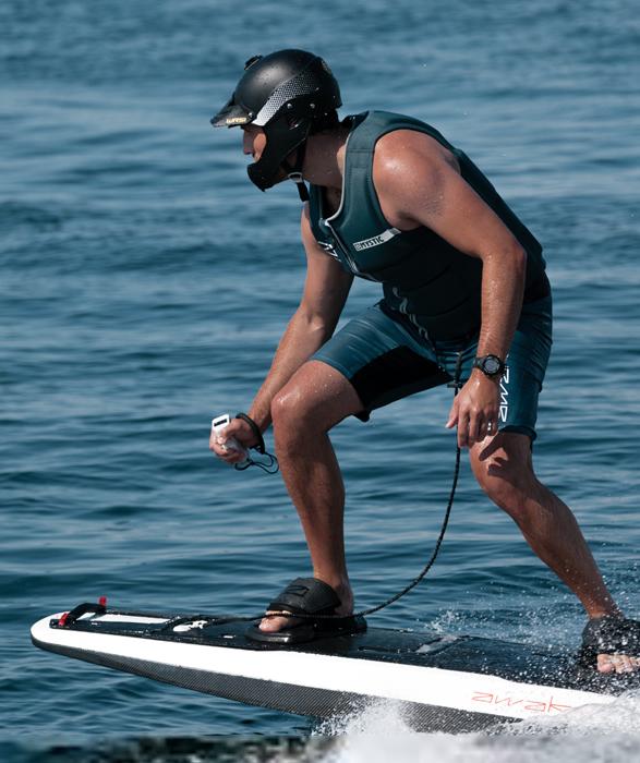 ravik-electric-surfboard-6.jpg