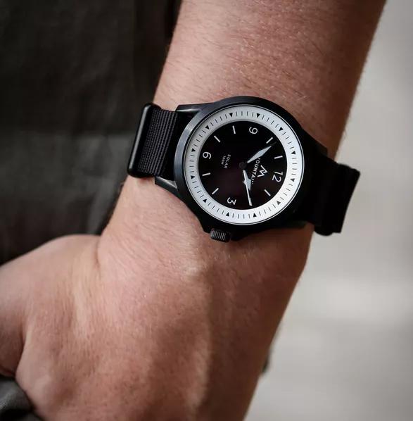 rayseeker-solar-powered-watch-3a.jpg