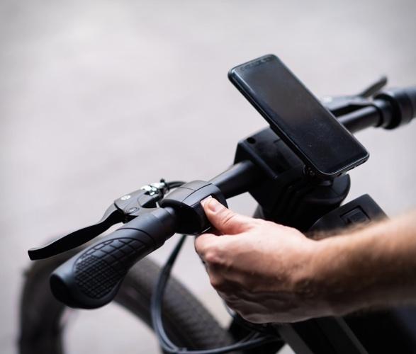 reevo-hubless-e-bike-6.jpg
