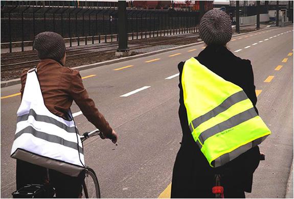 reflective-biker-bags-sputnik-zurich-2.jpg | Image