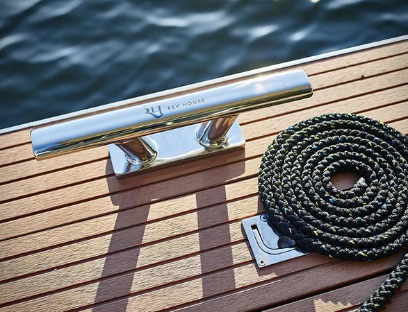 rev-houseboat-12.jpg