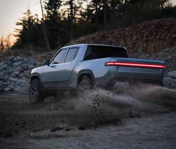 rivian-r1t-electric-truck-13.jpg