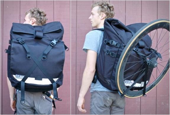 road-runner-bags-3.jpg | Image