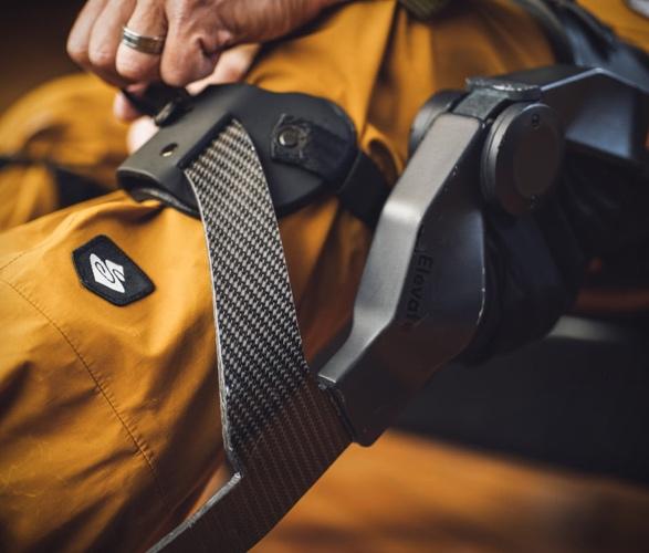 roam-elevate-ski-exoskeleton-6.jpg | Image