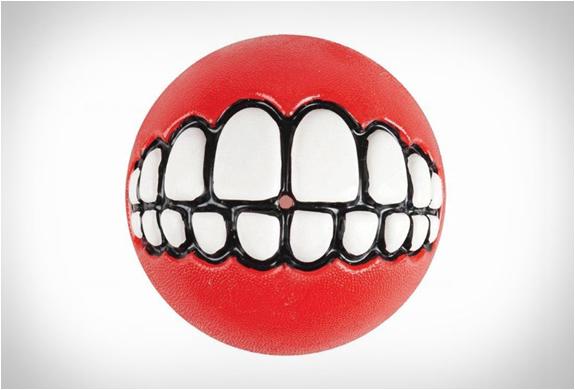 rog-grinz-ball-dog-toy-5.jpg   Image