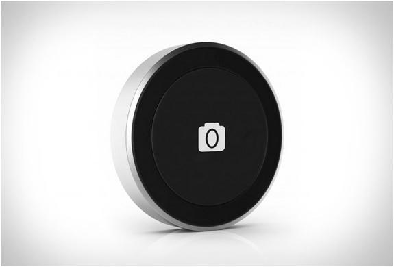 satechi-bluetooth-button-series-4.jpg | Image