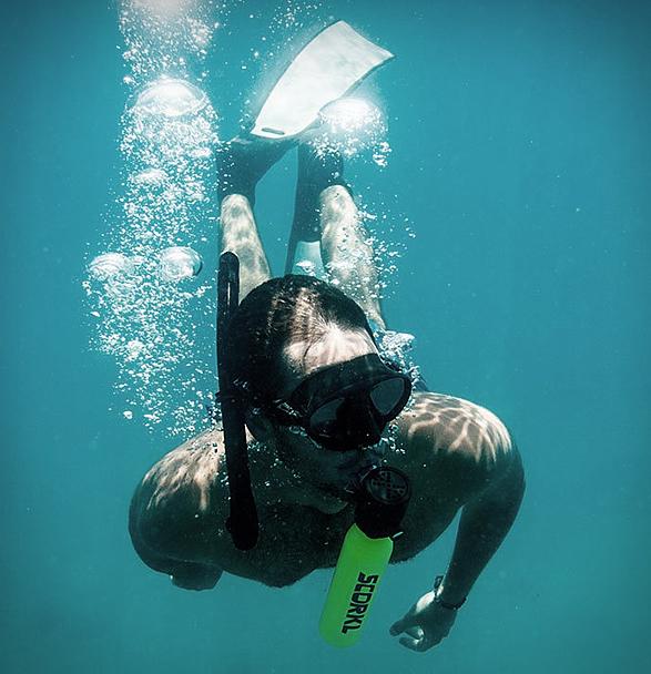 scorkl-handheld-scuba-tank-2.jpg | Image