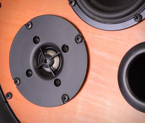 seal-tire-speaker-4.jpg | Image