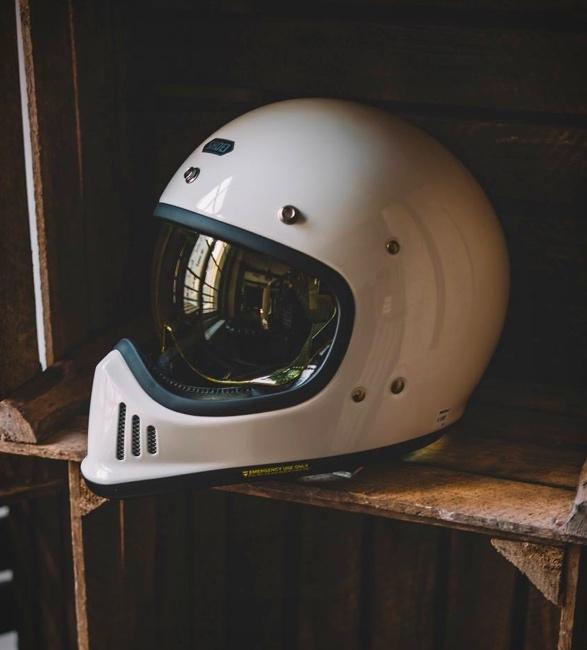 shoei-ex-zero-helmet-6.jpg
