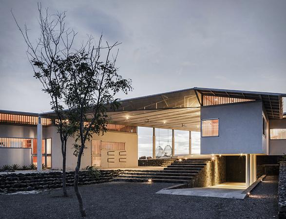silver-bird-house-18.jpg