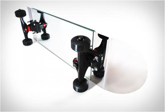 skate-mirror-2.jpg | Image