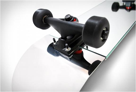 skate-mirror-4.jpg | Image