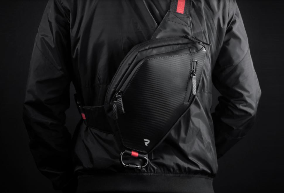 Slingr Over Body Bag | Image