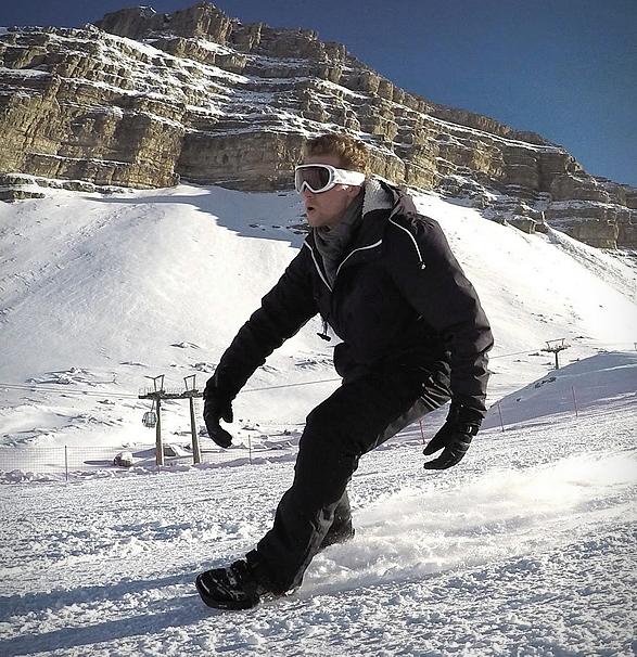 snowfeet-4.jpg | Image