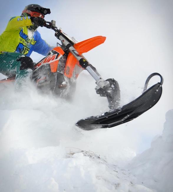 snowrider-dirt-bike-snow-kit-6.jpg