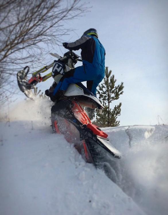 snowrider-dirt-bike-snow-kit-6a.jpg
