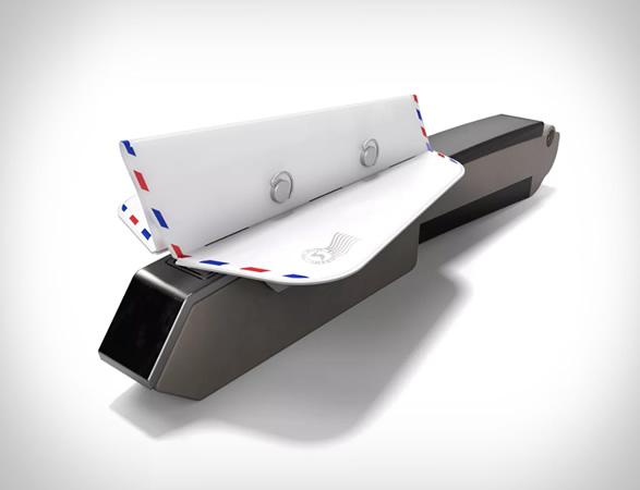 soarigami-airplane-armrest-divider-2.jpg | Image