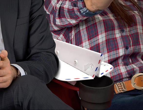 soarigami-airplane-armrest-divider-7.jpg