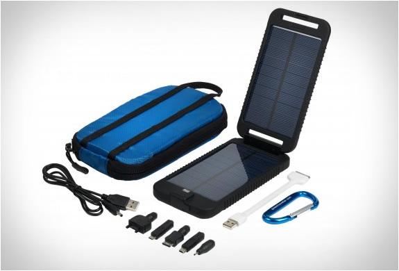 solarmonkey-adventurer-portable-charger-5.jpg | Image