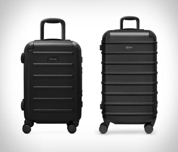 solgaard-closet-suitcase-2.jpg | Image