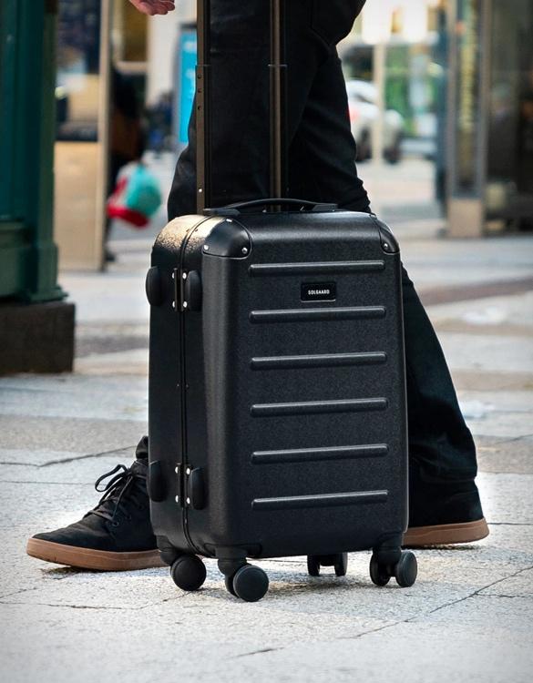 solgaard-closet-suitcase-6.jpg
