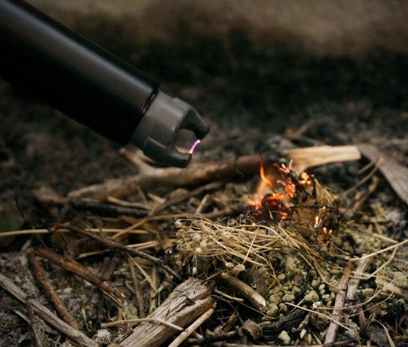 sparkr-lighter-flashlight-4.jpg | Image