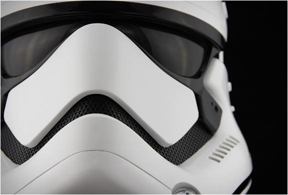stormtrooper-helmet-6.jpg