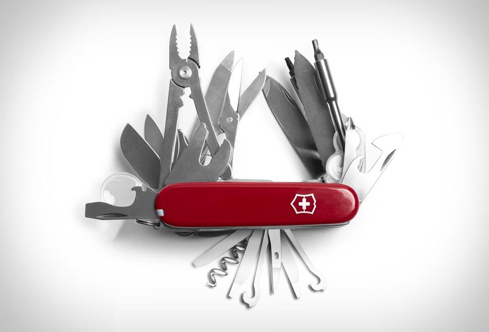 Swiss Army XXL Multi-Tool | Image
