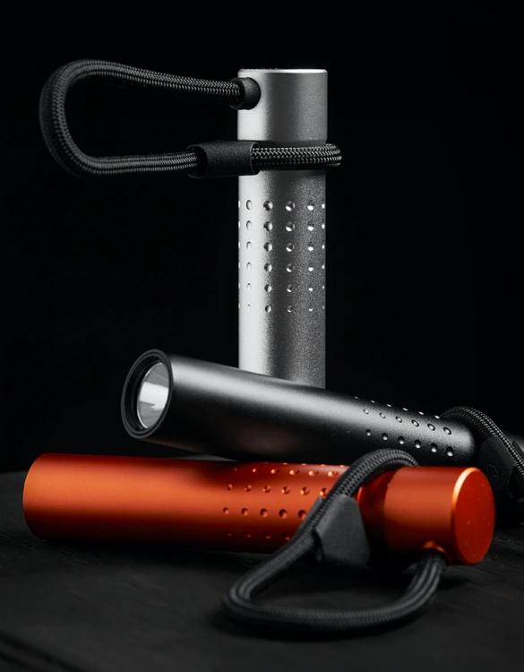 tactica-f100-flashlight-power-bank-5.jpg | Image