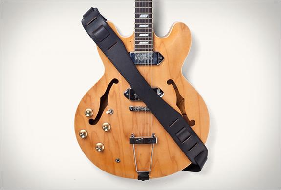 tanner-goods-guitar-strap-7.jpg
