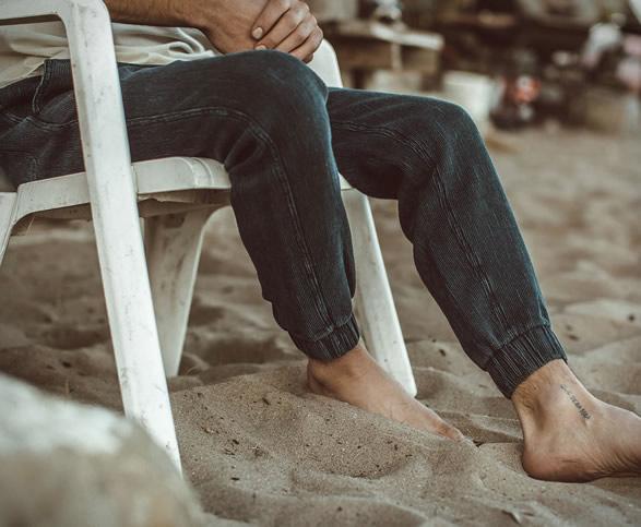 taylor-stitch-apres-pants-shorts-2.jpg | Image