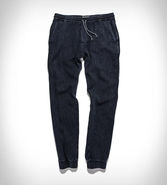 taylor-stitch-apres-pants-shorts-3.jpg | Image