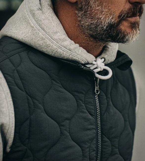 taylor-stitch-vertical-vest-2.jpg | Image