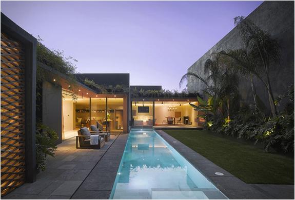 Barrancas House | By Ezequiel Farca | Image