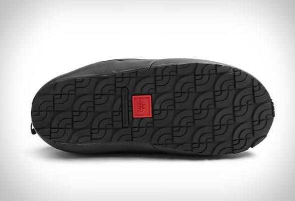 the-north-face-slipper-3.jpg   Image