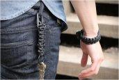 thum_survival-firestarter-paracord-bracelet.jpg