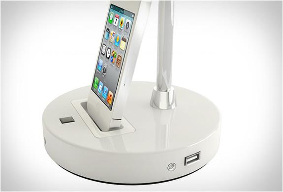 Tlight Desk Lamp With Iphone Dock