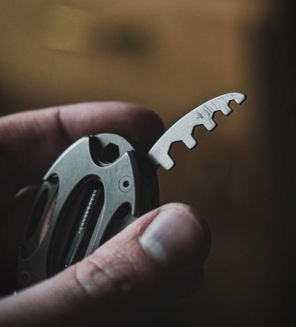 toolfob-titanium-multitool-7.jpg