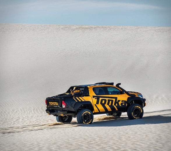 toyota-hilux-tonka-truck-7.jpg