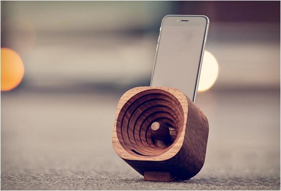 TROBLA | WOODEN SMARTPHONE AMPLIFIER | Image