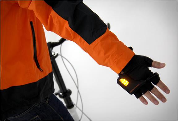 turn-signal-gloves-doppelganger-3.jpg | Image