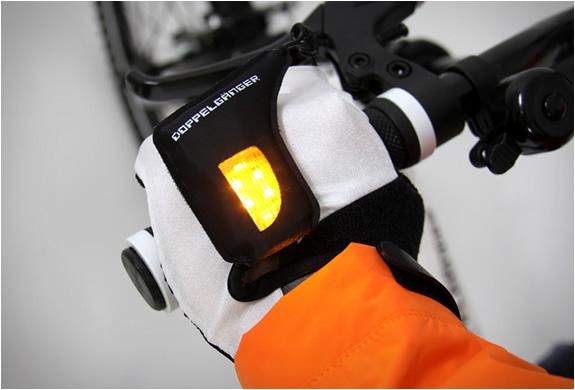 turn-signal-gloves-doppelganger-4.jpg | Image