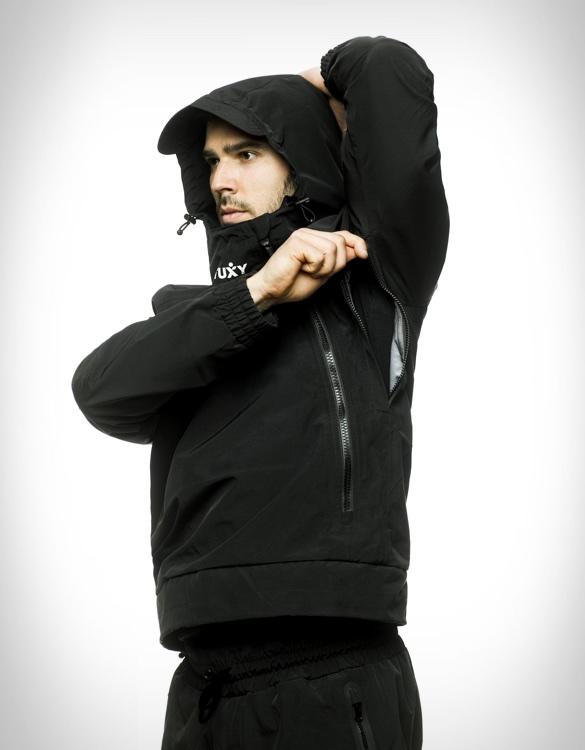 tuxy-storm-suit-6.jpg