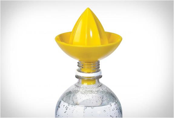 umbra-sombrero-juicer-3.jpg | Image