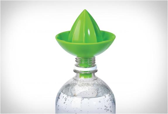 umbra-sombrero-juicer-4.jpg | Image