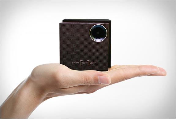 uo-smart-beam-laser-projector-2.jpg | Image
