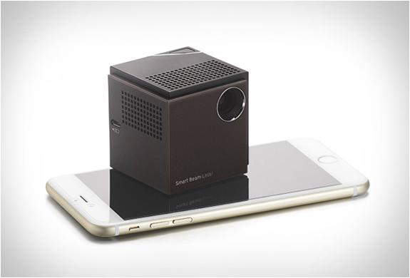 uo-smart-beam-laser-projector-5.jpg | Image