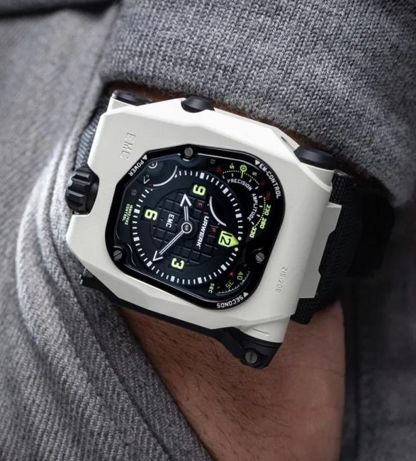 urwerk-emc-timehunter-watch-8.jpg